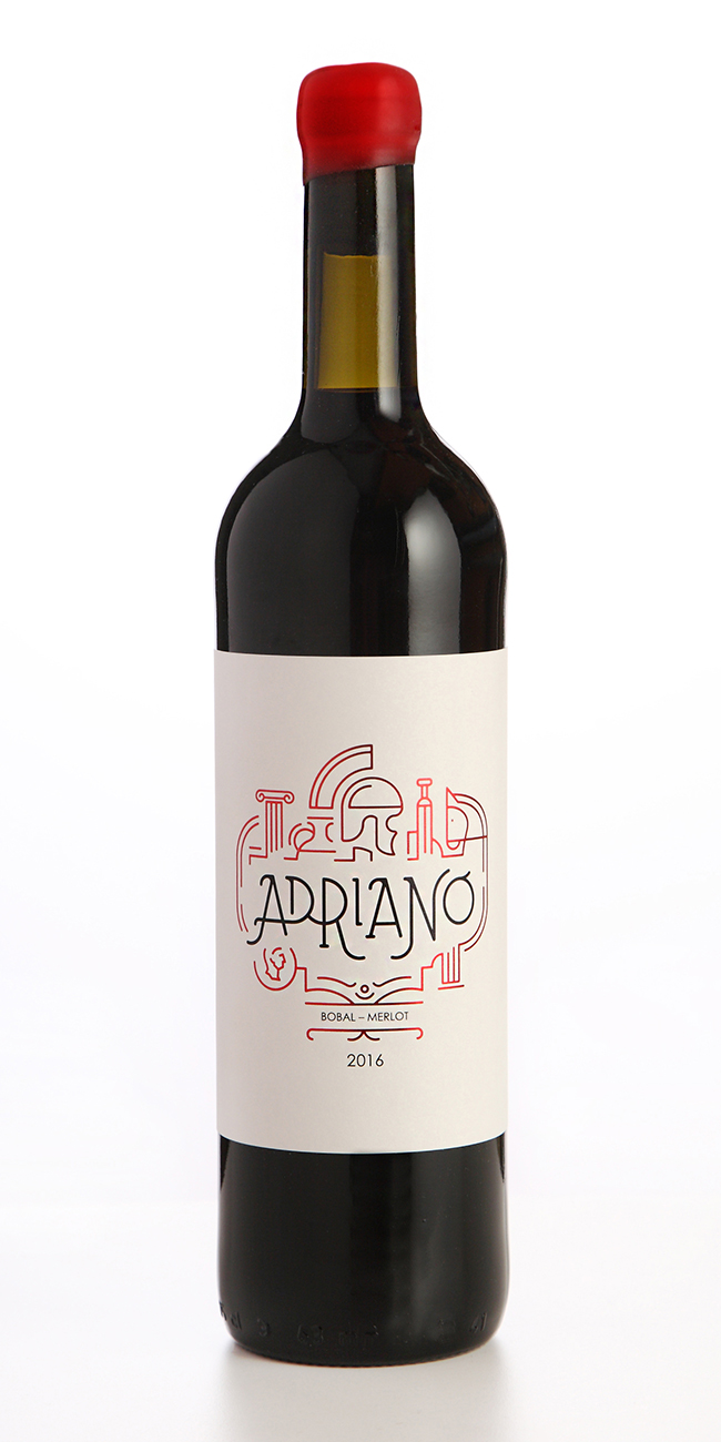 Marca y Packaging Vino Tinto Adriano